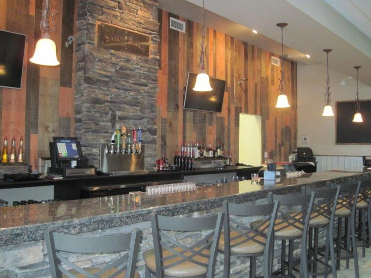Shots and Slices Windsor Tecumseh Silver Tee Golf Virtual Gaming Centre Restaurant