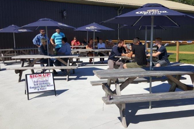 Shots and Slices Patio Bar Silver Tee Golf Centre (1)